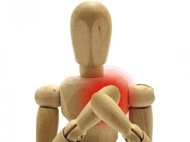 ドキドキ苦しい…動悸が起こる理由