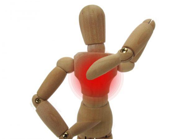 実は危険!?背中の痛みは体からのサインだった!